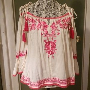 Love Sam embroidered top sz Large